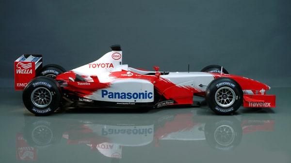 یارنو ترولی، راننده تیم تویوتا اف۱، در مسابقات گرند پریکس آمریکا ۲۰۰۶، اسپانسر: پاناسونیک