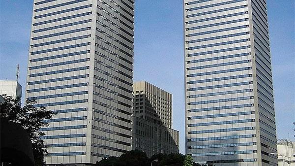 برجهای توین۲۱ ساختمانهای اداری پاناسونیک، در اوساکا، ژاپن